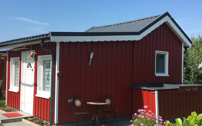 jotun-kleingartenhaus-rote-holzschutzfarbe