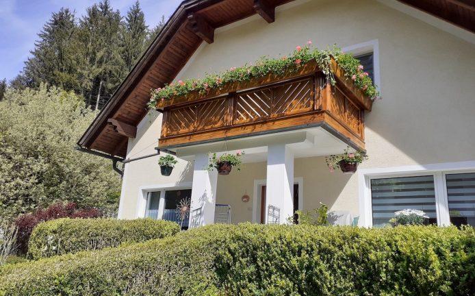 jotun-balkon-frisch-gestrichen